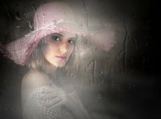 © Adela Rusu, PINK HAT