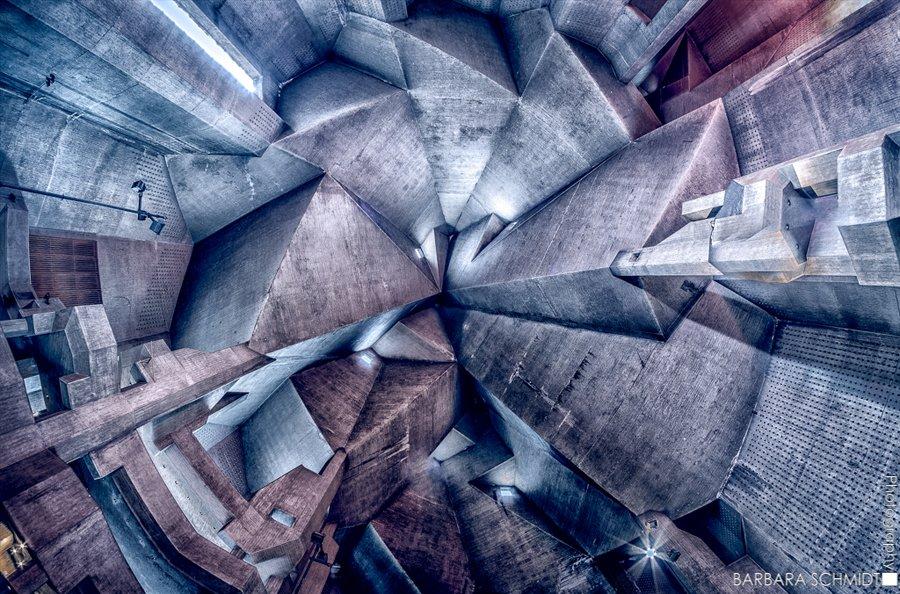 © Barbara Schmidt, Church-ceiling-concrete