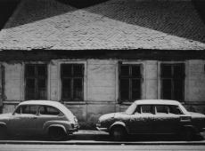 © Branislav Strugar, Prvi sneg kuca dva automobila, 1974