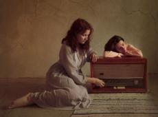 © Tina Genovia Obreja & Luiza Boldeanu, Searching