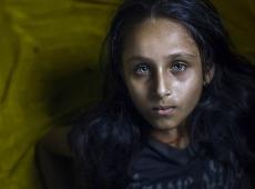 05_Salon_Gold_Fatimah_Al_Marhoun_Saudi_Arabia_Green_eyes