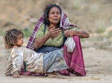 Jacky Panhuyizen ©, Desperate Woman