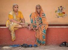 Jacky Panhuyizen ©, Thoughtful Women