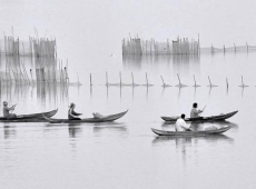 © vanchung-bui-vietnam-morning on the lake