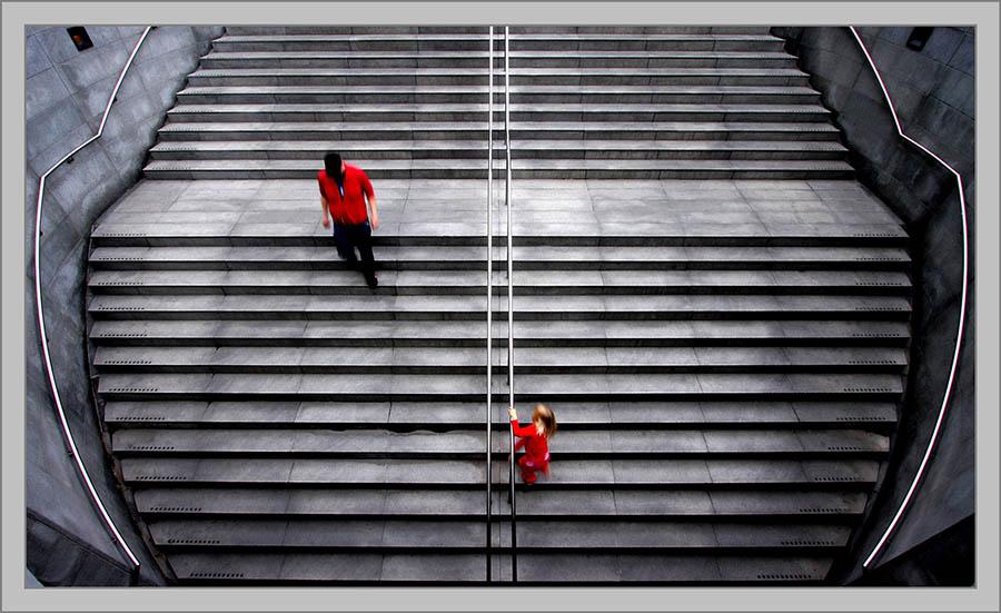 Crveno_Nils-Erik_Jerlemar_Sweden_Dressed_in_Red