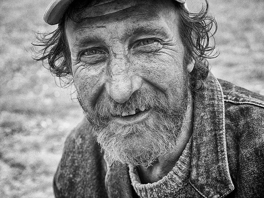 © Normante Ribokaite, With a smile