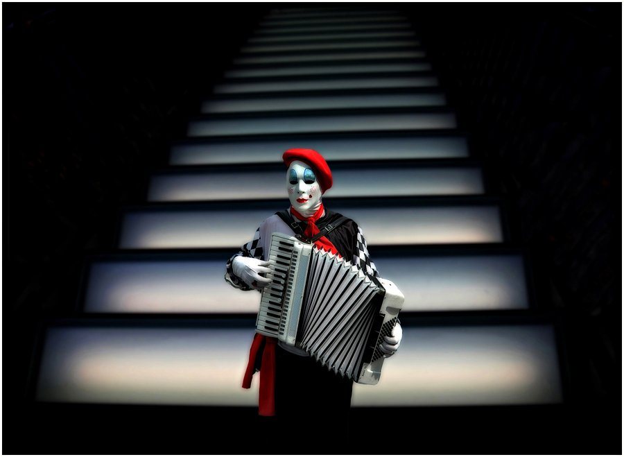 © Ole Suszkiewicz, Harmonica Clown
