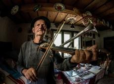Ovi D Pop ©, The Stroh Violinist