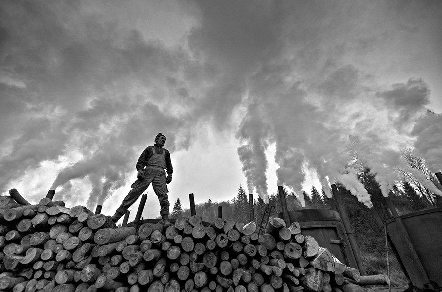 © Tomasz Okoniewski, Titanium from the land of smoke
